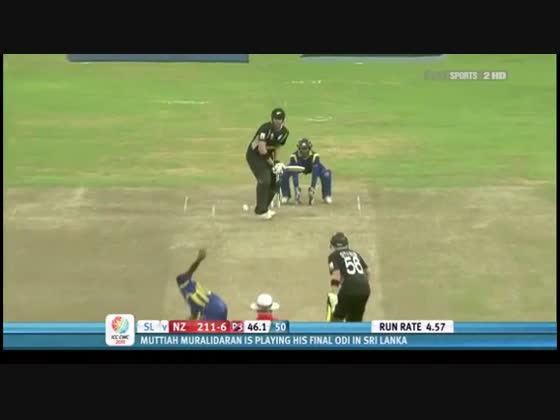 Sanath Jayasuriya flicks Lee for six!