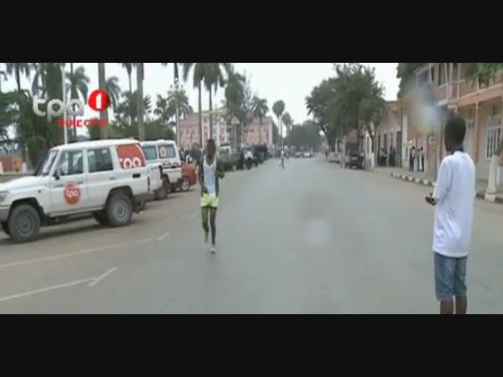 """""""Atletismo"""" Francisco Escovinho vence maratona, Malanje"""